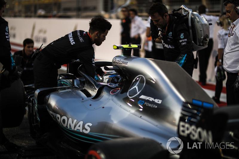 Valtteri Bottas, Mercedes-AMG F1 W09 EQ Power+ on the grid