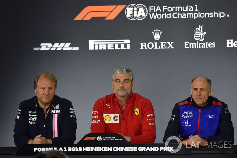 Robert Fearnley, Force India F1 Team Deputy Team Principal, Maurizio Arrivabene, Ferrari Team Princi