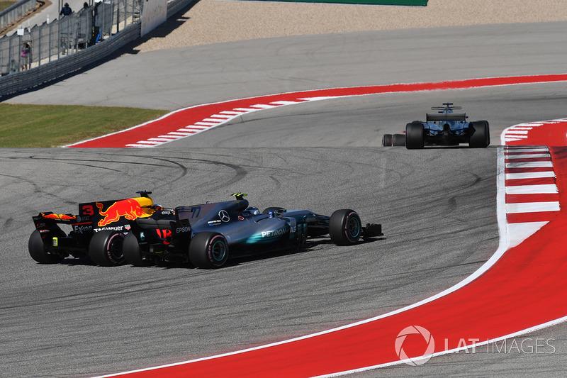 Valtteri Bottas, Mercedes-Benz F1 W08 ve Daniel Ricciardo, Red Bull Racing RB13