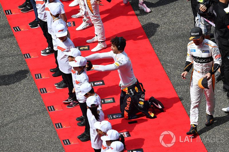 Daniel Ricciardo, Red Bull Racing y niños de la parrilla