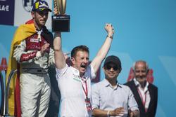 Allan McNish, Team Principal, Audi Sport Abt Schaeffler, celebrates