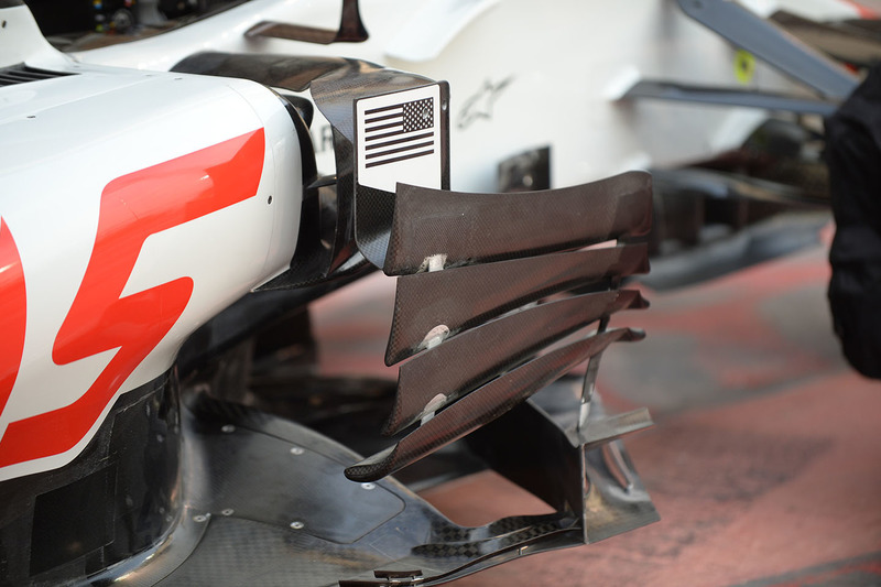 Haas F1 Team VF-18, bargeboard, részlet