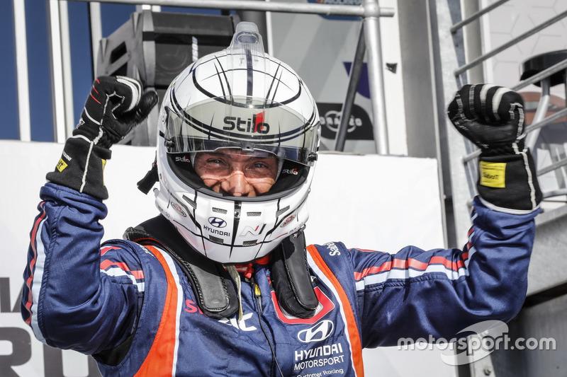 Победитель гонки Габриэле Тарквини, BRC Racing Team Hyundai i30 N TCR