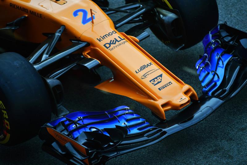 Um olhar sobre a nova solução de bico da McLaren, que apresenta influências de design de Red Bull, Sauber e Mercedes, juntamente com algumas novas ideias também.