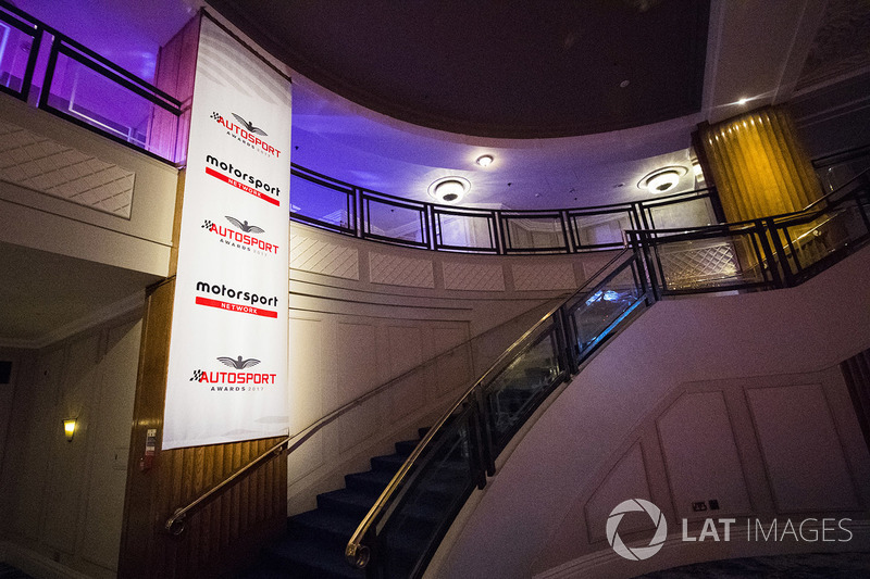 Pancartas de Motorsport Network y Autosport