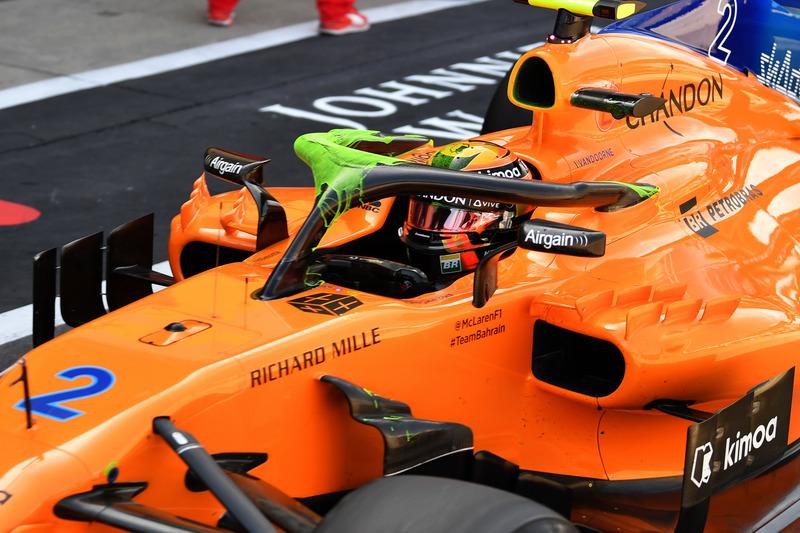 Stoffel Vandoorne, McLaren MCL33 avec de la peinture sur le Halo