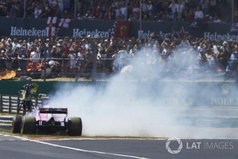 Sergio Perez, Force India VJM11, va in testacoda alla partenza