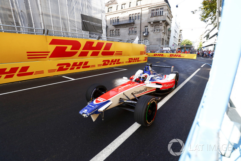 Damage to the front of Felix Rosenqvist, Mahindra Racing