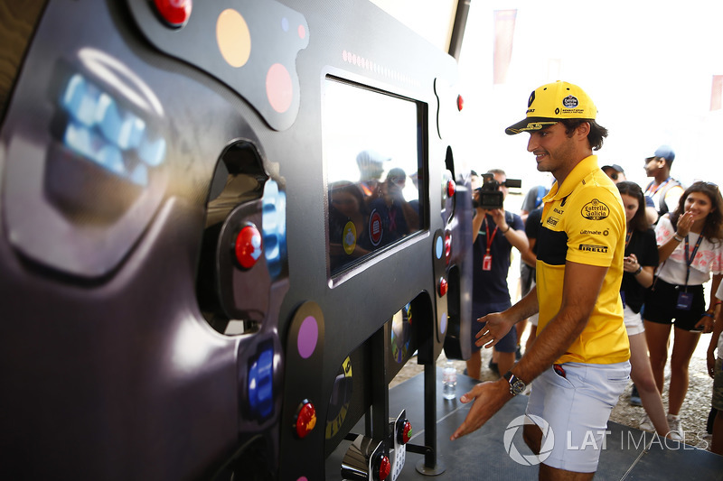Carlos Sainz Jr., Renault Sport F1 Team prueba sus reflejos