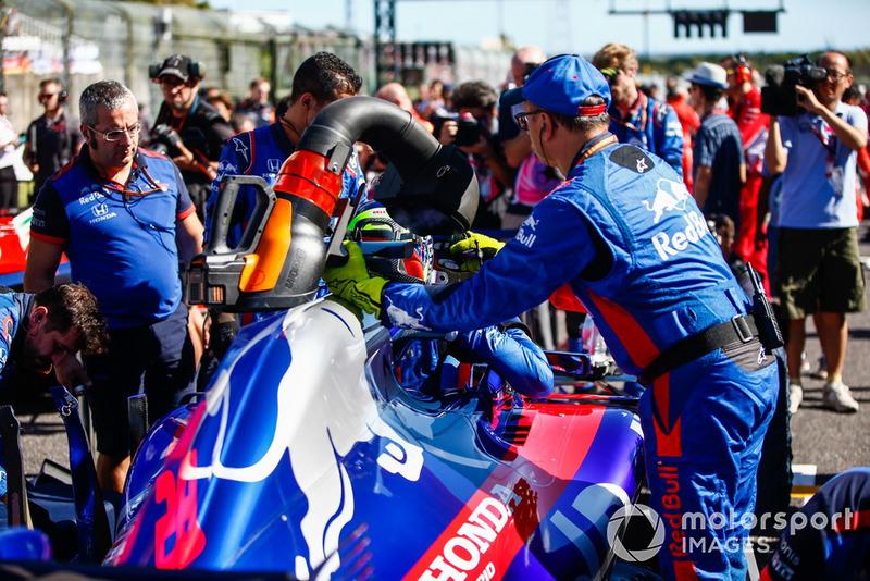 Mobil Brendon Hartley, Toro Rosso STR13, di grid