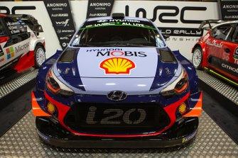 La Hyundai i20 WRC di Thierry Neuville e Nicolas Gilsoul