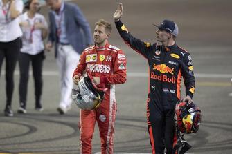 Sebastian Vettel, Ferrari e Max Verstappen, Red Bull Racing, nel parco chiuso