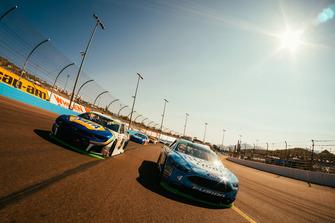 Kevin Harvick, Stewart-Haas Racing, Ford Fusion Busch Light, Chase Elliott, Hendrick Motorsports, Chevrolet Camaro NAPA Auto Parts