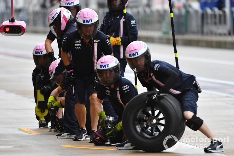 Racing Point Force India VJM11 mechanics