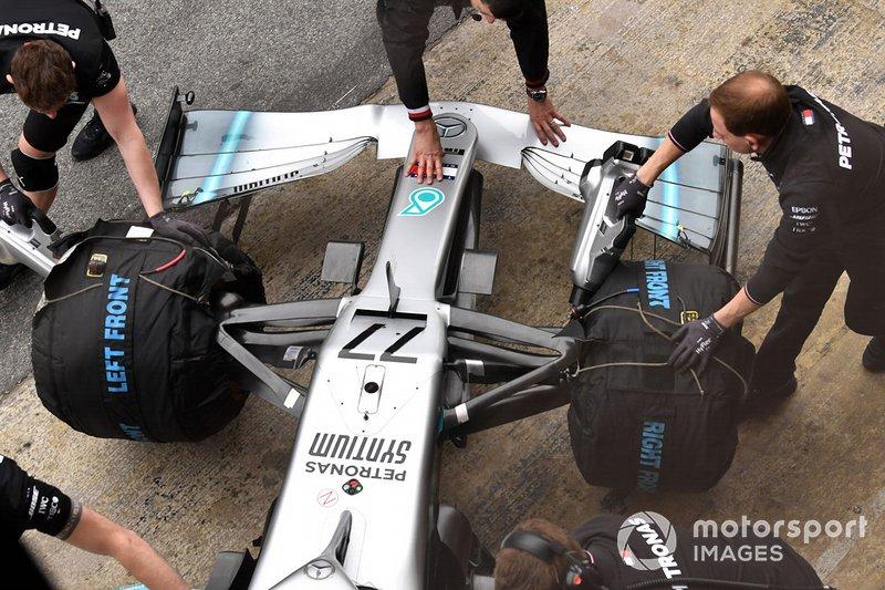 Ніс та переднє антикрило Mercedes-AMG F1 W10