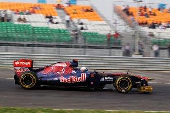 Sebastien Buemi, Scuderia Toro Rosso STR6