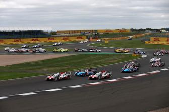 La partenza della 6 Ore di Silverstone