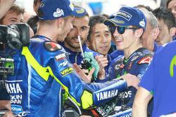 Друге місце Валентино Россі, Yamaha Factory Racing, переможець гонки Маверік Віньялес, Yamaha Factory Racing