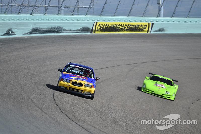 #810 MP3B BMW 325 driven by Pedro Rodriguez & Alberto De Las Casas of TML USA, #38 MP1A Chevrolet Corvette driven by Juan Vento of JV Racing