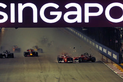 Crash: Sebastian Vettel, Ferrari SF70H, Kimi Raikkonen, Ferrari SF70H and Max Verstappen, Red Bull Racing RB13
