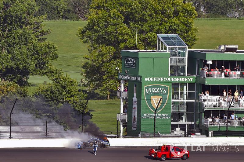 Martin Truex Jr., Furniture Row Racing Toyota despojos