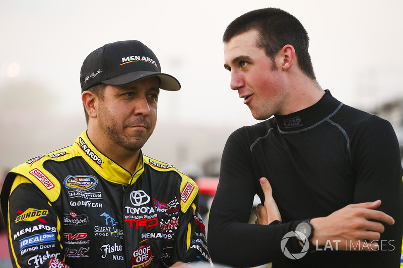 Matt Crafton, ThorSport Racing Toyota y Austin Cindric, Brad Keselowski Racing Ford