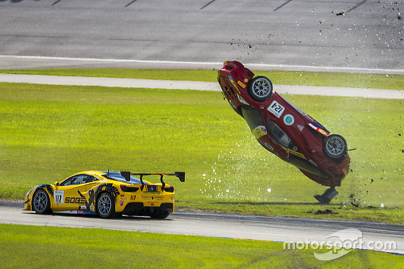 #124 Ferrari of Long Island Ferrari 488 Challenge: Jerome Jacalone, incidente