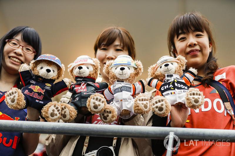 Fans with teddy bears