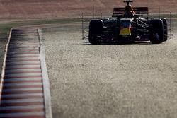 Max Verstappen, Red Bull Racing RB13, mit Messgeräten am Auto