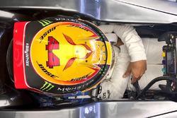 Lewis Hamilton, Mercedes AMG F1 F1 W08 avec un logo #BillyWhizz