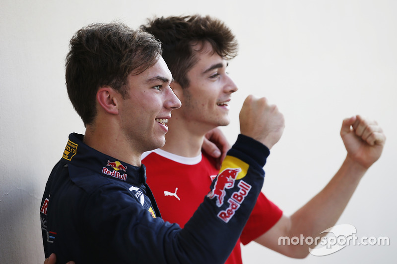 Campeón 2016 GP2 Series Pierre Gasly, PREMA Racing and 2016 y Campeón 2016 GP3 Series Charles Leclerc, ART Grand Prix
