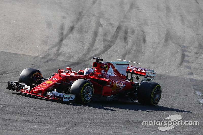 Sebastian Vettel, Ferrari, SF70H; Max Verstappen, Red Bull Racing, RB13; Lewis Hamilton, Mercedes AMG F1, W08