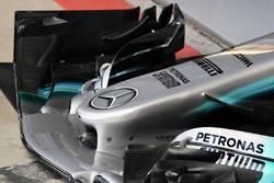 Mercedes-Benz F1 W08, morro y alerón delantero