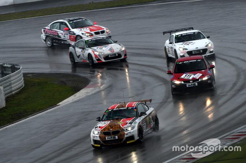 #672 Frikadelli Racing Team, BMW 235i Cup: Thomas Leyherr Thomas, Herbert von Danwitz