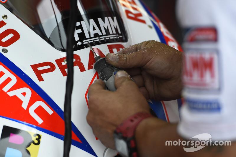 Pramac Ducati meknaikeri Scott Redding''in camına delikler açıyor