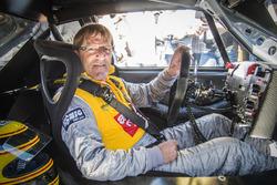 Ex-DTM-Star Joachim Winkelhock fuhr den Cliff Opel Calibra