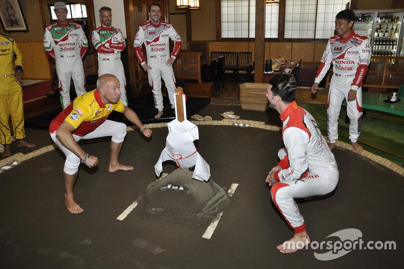 WTCC Pilotları Japonya'da