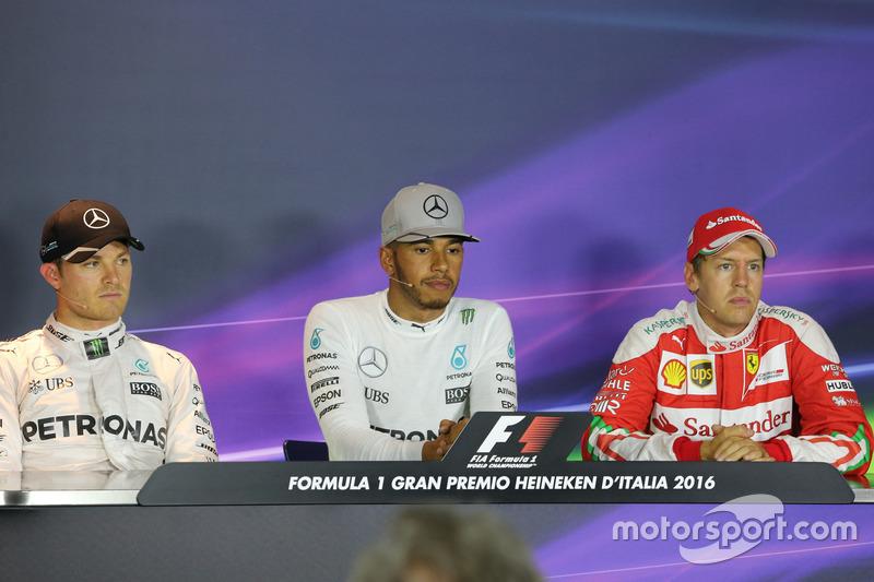 Nico Rosberg,, Mercedes AMG F1 Team, Lewis Hamilton,, Mercedes AMG F1 Team e Sebastian Vettel,, Scuderia Ferrari