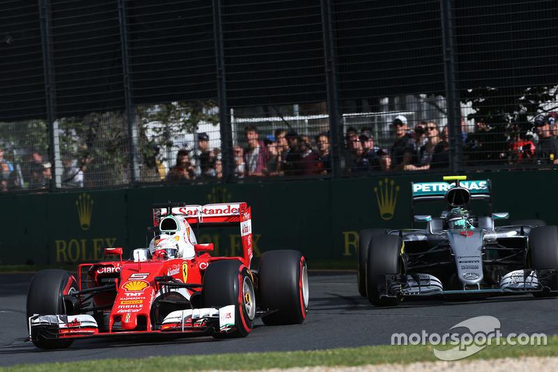 Sebastian Vettel, Ferrari SF16-H und Nico Rosberg, Mercedes AMG F1 Team W07