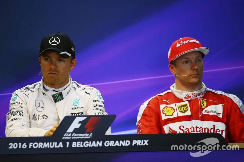 (Da sx a dx): Nico Rosberg, Mercedes AMG F1 e Kimi Raikkonen, Ferrari nella conferenza stampa FIA post qualifiche