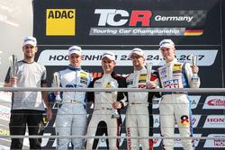 Podium: 1. Harald Proczyk, HP Racing, Opel Astra TCR, 2. Mike Halder, Wolf-Power Racing, Seat Leon TCR, 3, Steve Kirsch, Honda Team ADAC Sachsen, Honda Civic Type R-TCR, Bester Rookie Luca Engstler, Liqui Moly Team Engstler, VW Golf GTI TCR