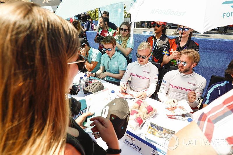 Nick Heidfeld, Mahindra Racing, Felix Rosenqvist, Mahindra Racing, y Oliver Turvey, NEXTEV TCR Formu