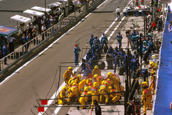 The Jordan and Stewart teams take a pitstop