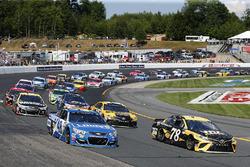 Martin Truex Jr., Furniture Row Racing Toyota Jimmie Johnson, Hendrick Motorsports Chevrolet