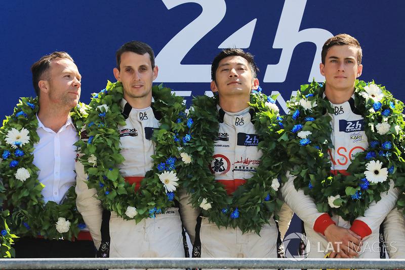 LMP2 podium: winners Ho-Pin Tung, Oliver Jarvis, Thomas Laurent, DC Racing