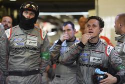 Porsche Team members react to the #1 retirement