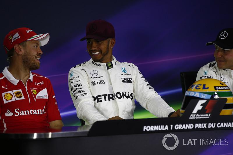 Обладатель поула Льюис Хэмилтон, Mercedes AMG F1, второе место – Себастьян Феттель, Ferrari, третье место – Валттери Боттас, Mercedes AMG F1