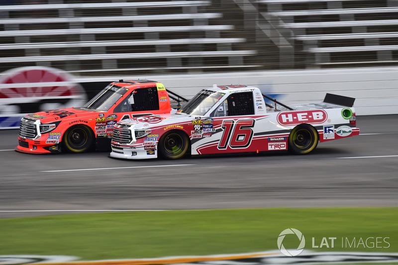 Cody Coughlin, ThorSport Racing Toyota, Ryan Truex, Hattori Racing Enterprises Toyota