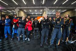 Des membres de l'équipe Lotus