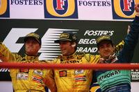 Подіум: переможець Деймон Хілл (Jordan Mugen-Honda), другий призер Ральф Шумахер (Jordan Mugen-Honda), третій призер Жан Алезі (Sauber Petronas)